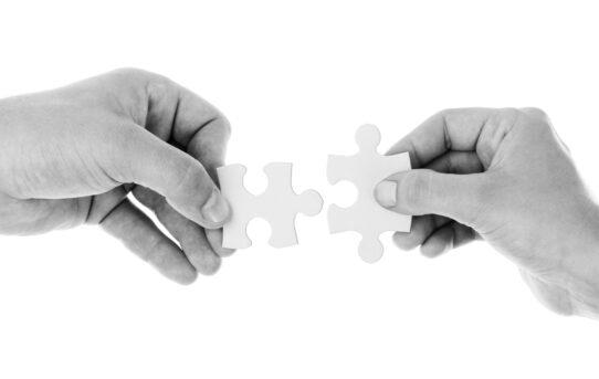 Stili di attaccamento: come ci leghiamo affettivamente agli altri?